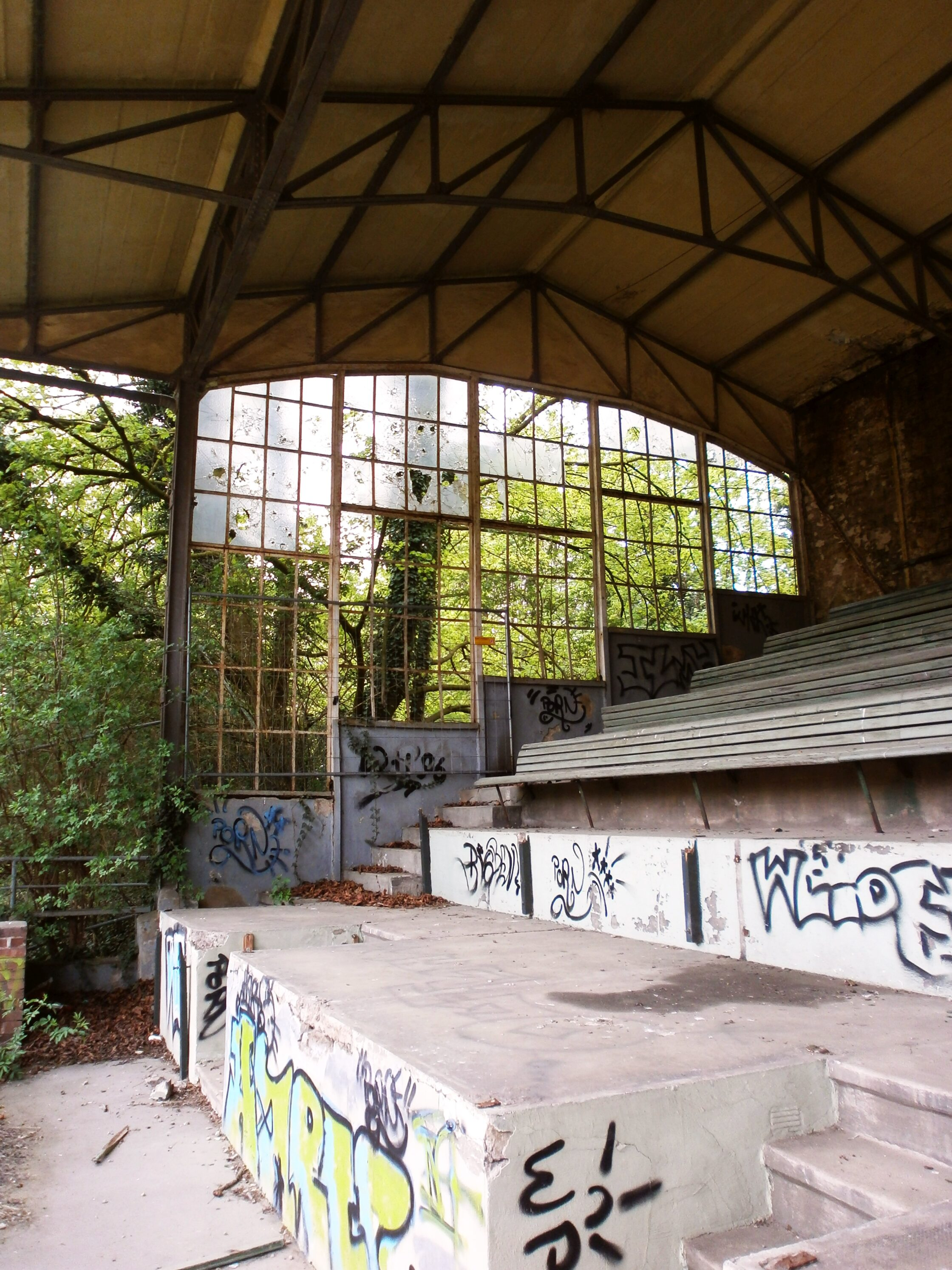 Tribünenrest, Köln-Weidenpesch