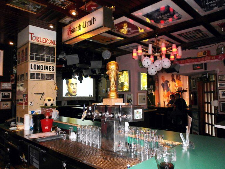 Der Tresen in der 11 Freunde-Bar