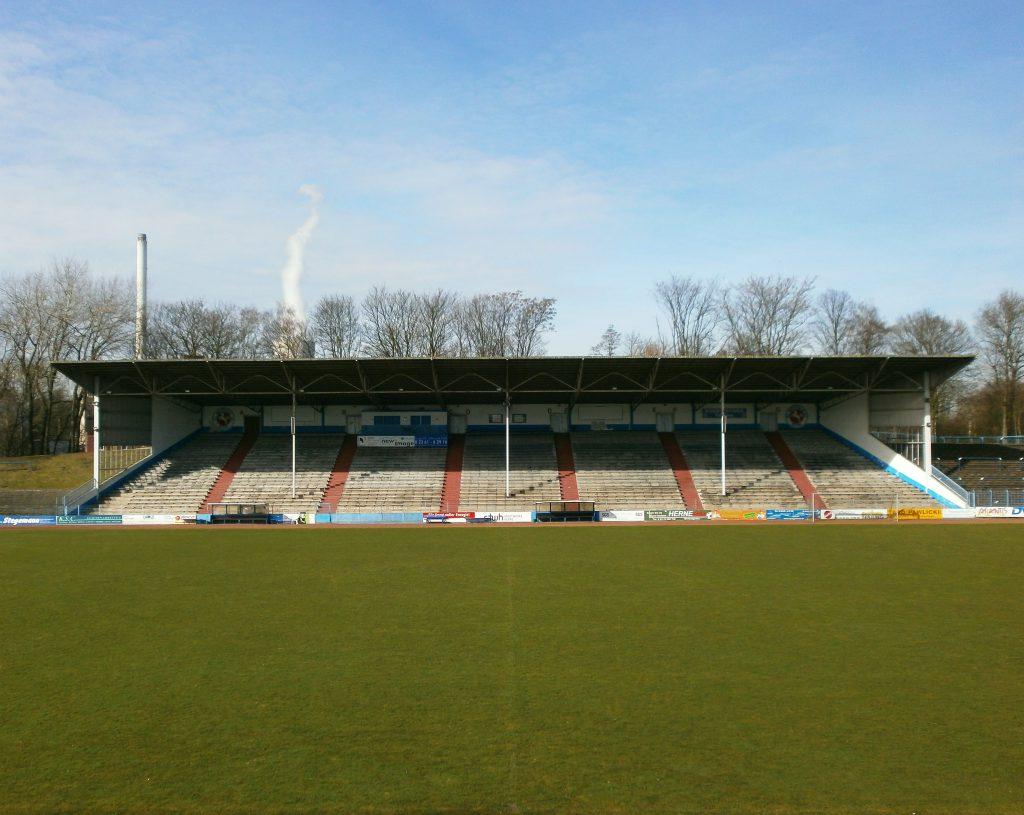 Stadion am Schloss Strünkede, Herne