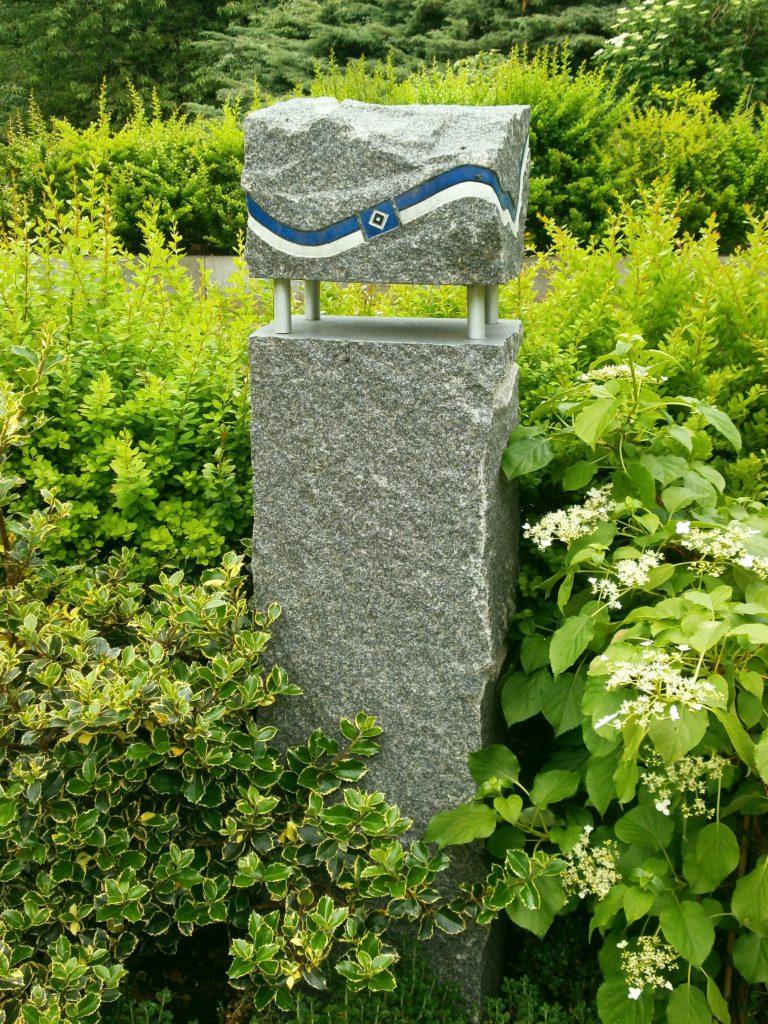 Grabstein auf dem HSV-Grabfeld