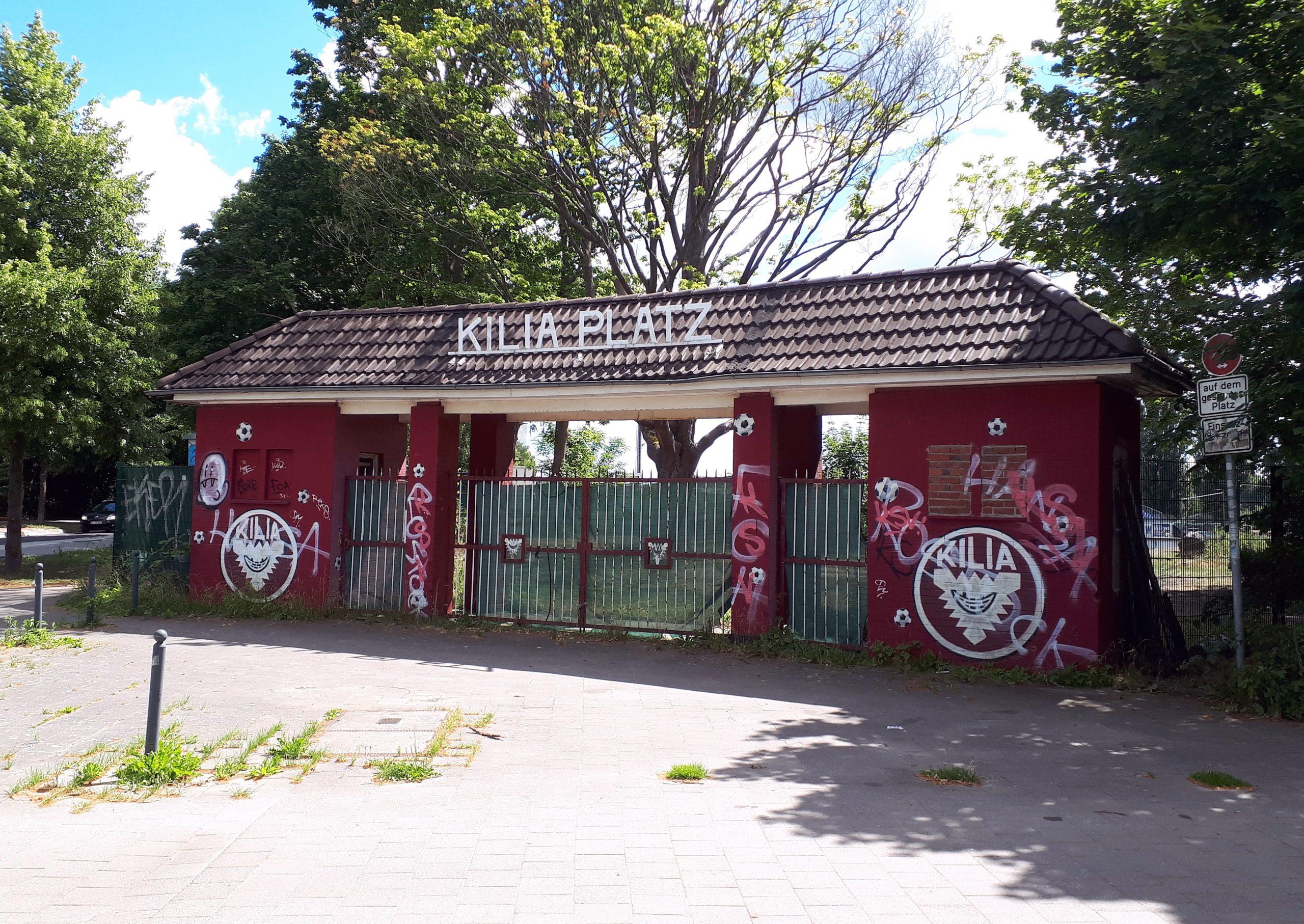 Das Eingangstor vom Kilia-Platz