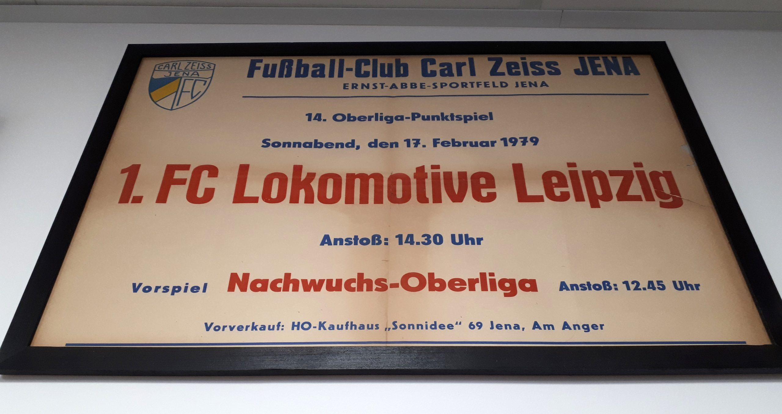 Spielankündigungsplakat von der Partie zwischen Lokomotive Leipzig und dem FC Carl-Zeiss-Jena