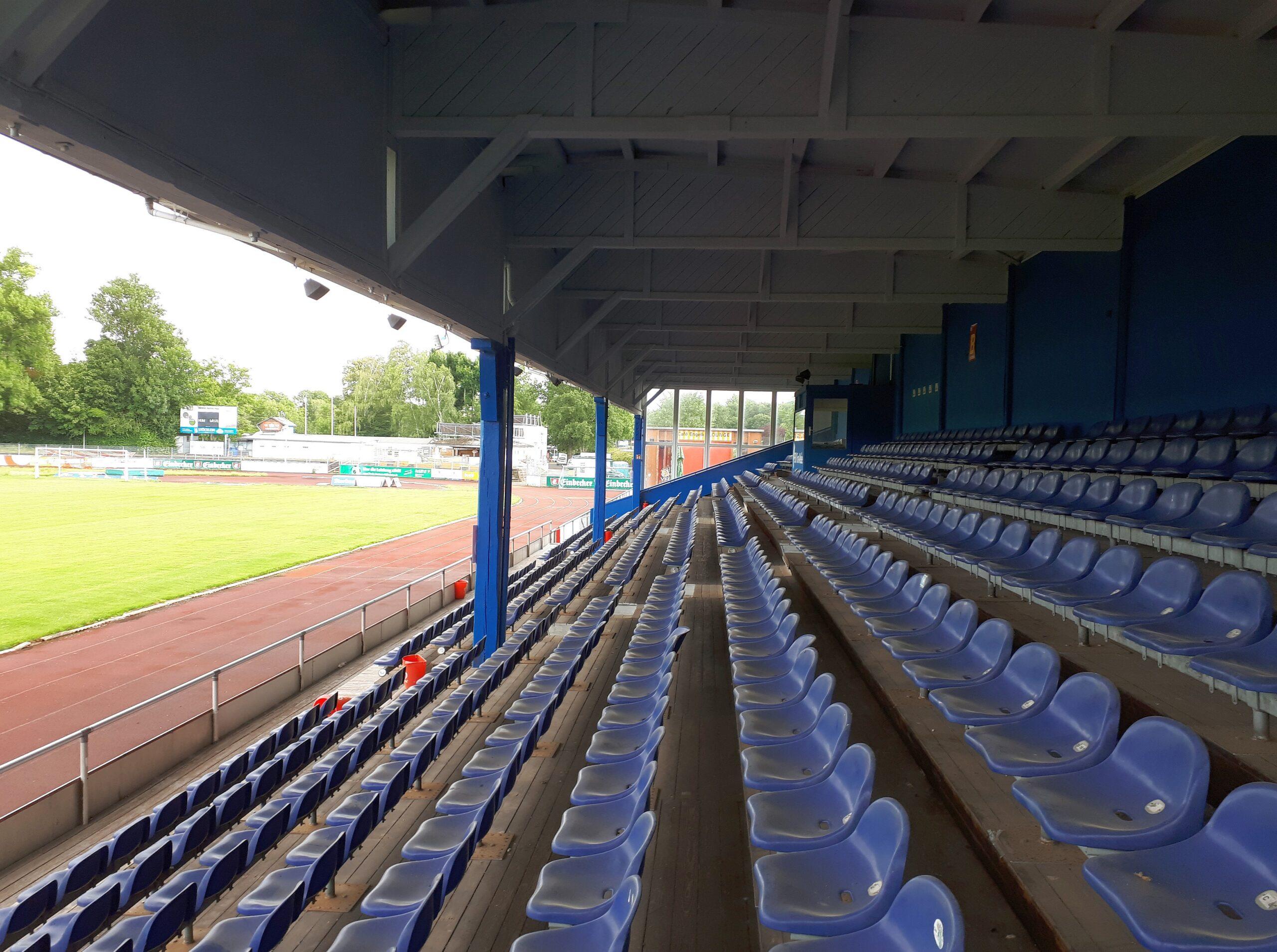 Die alte Tribüne im Hildesheimer Friedrich-Ebert-Stadion
