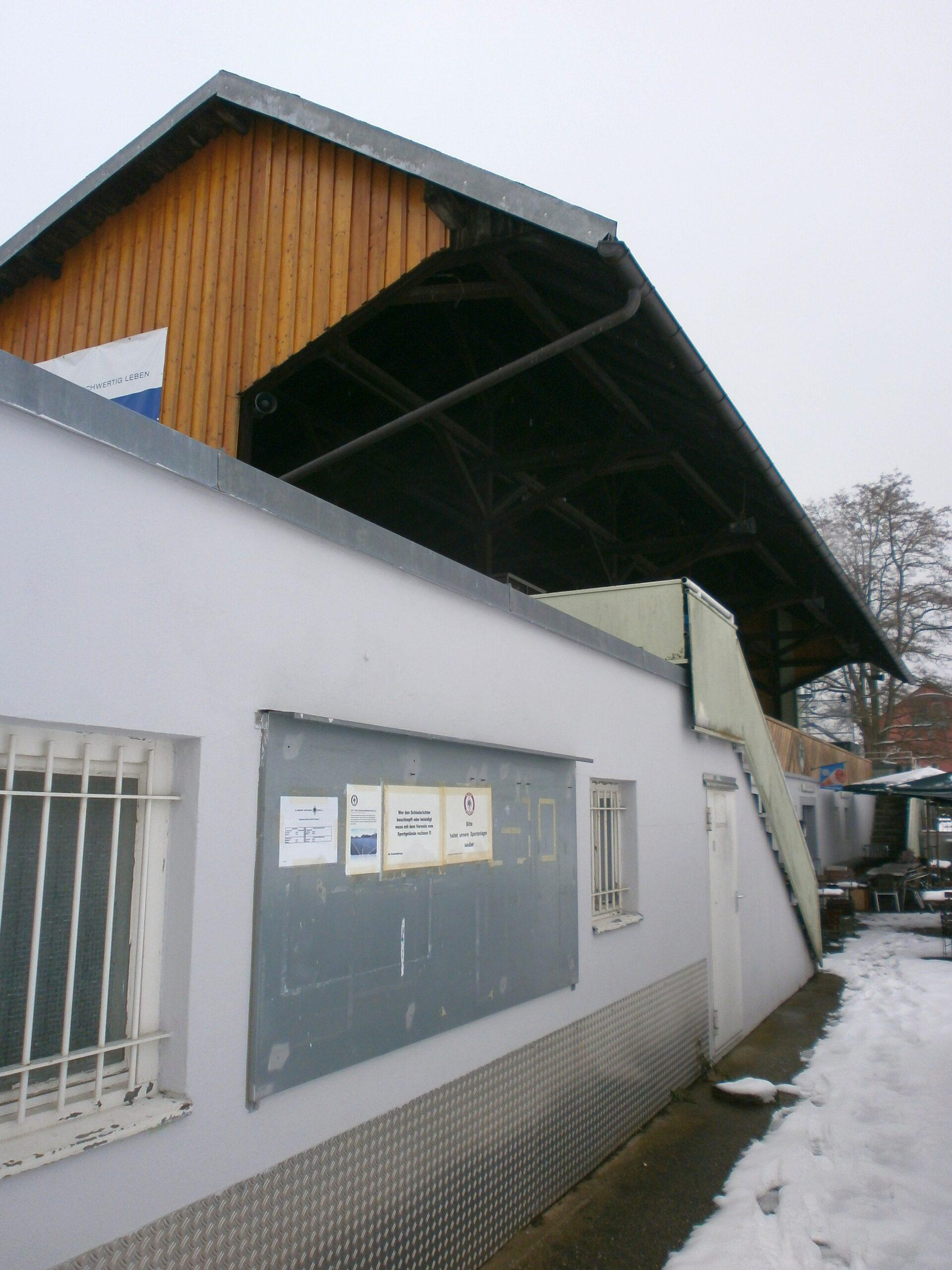 Die Tribüne im Stadion an der Magazinstraße