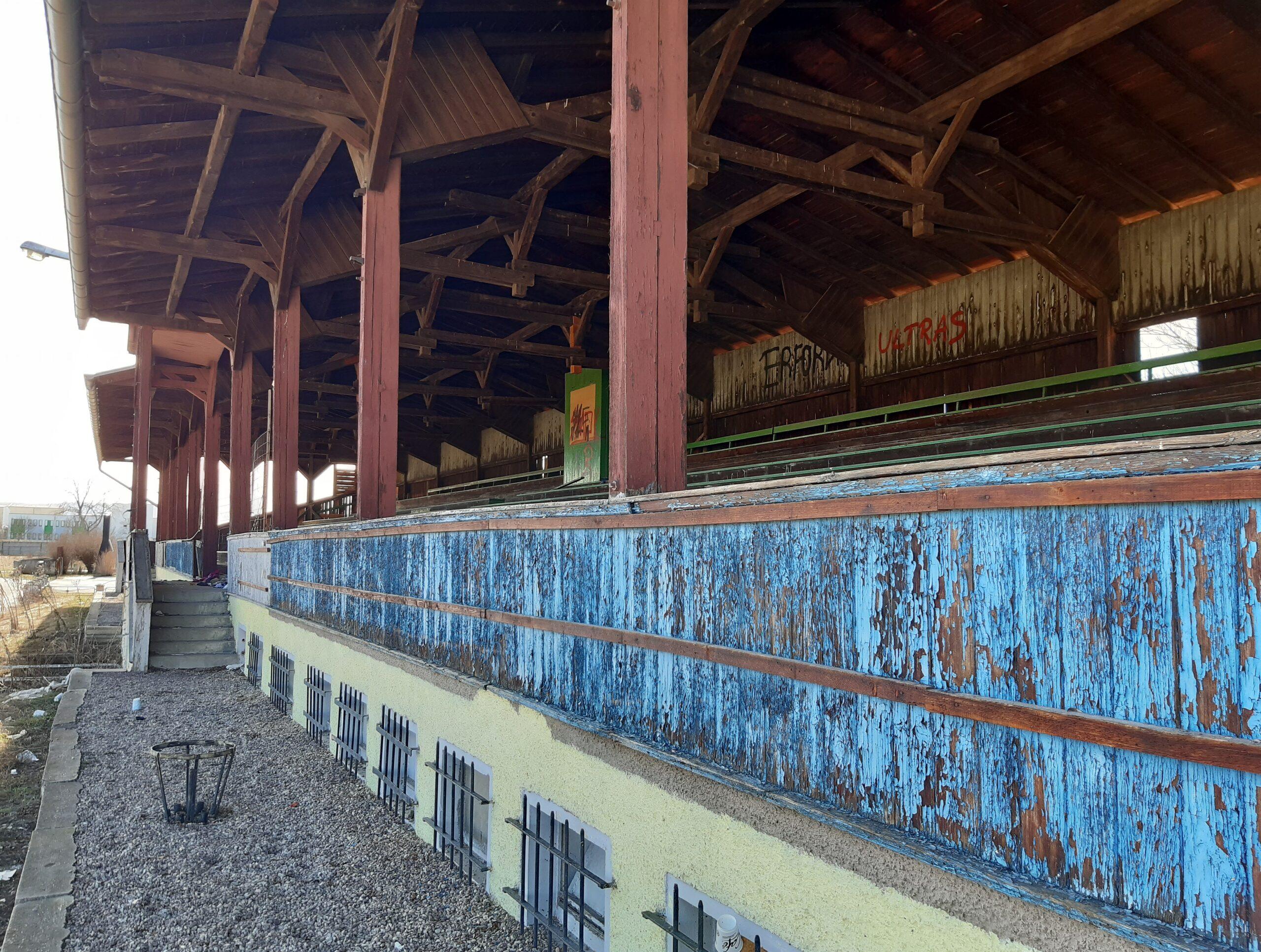 Die Tribüne in Rudisleben wurde in den Fünfzigerjahren erbaut