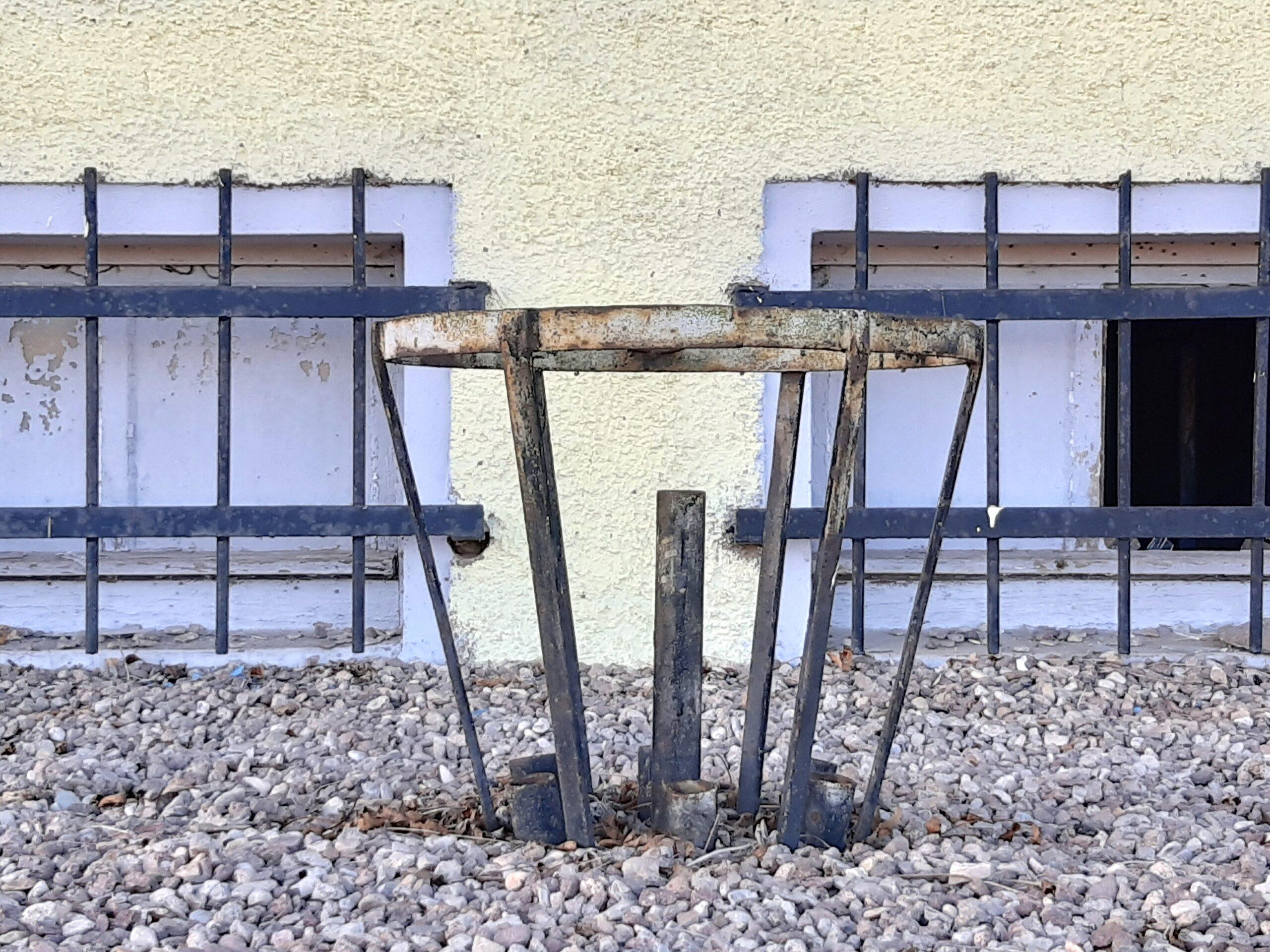 Auf der Brauchitsch-Kampfbahn waren sogar die Mülleimer Kunstobjekte