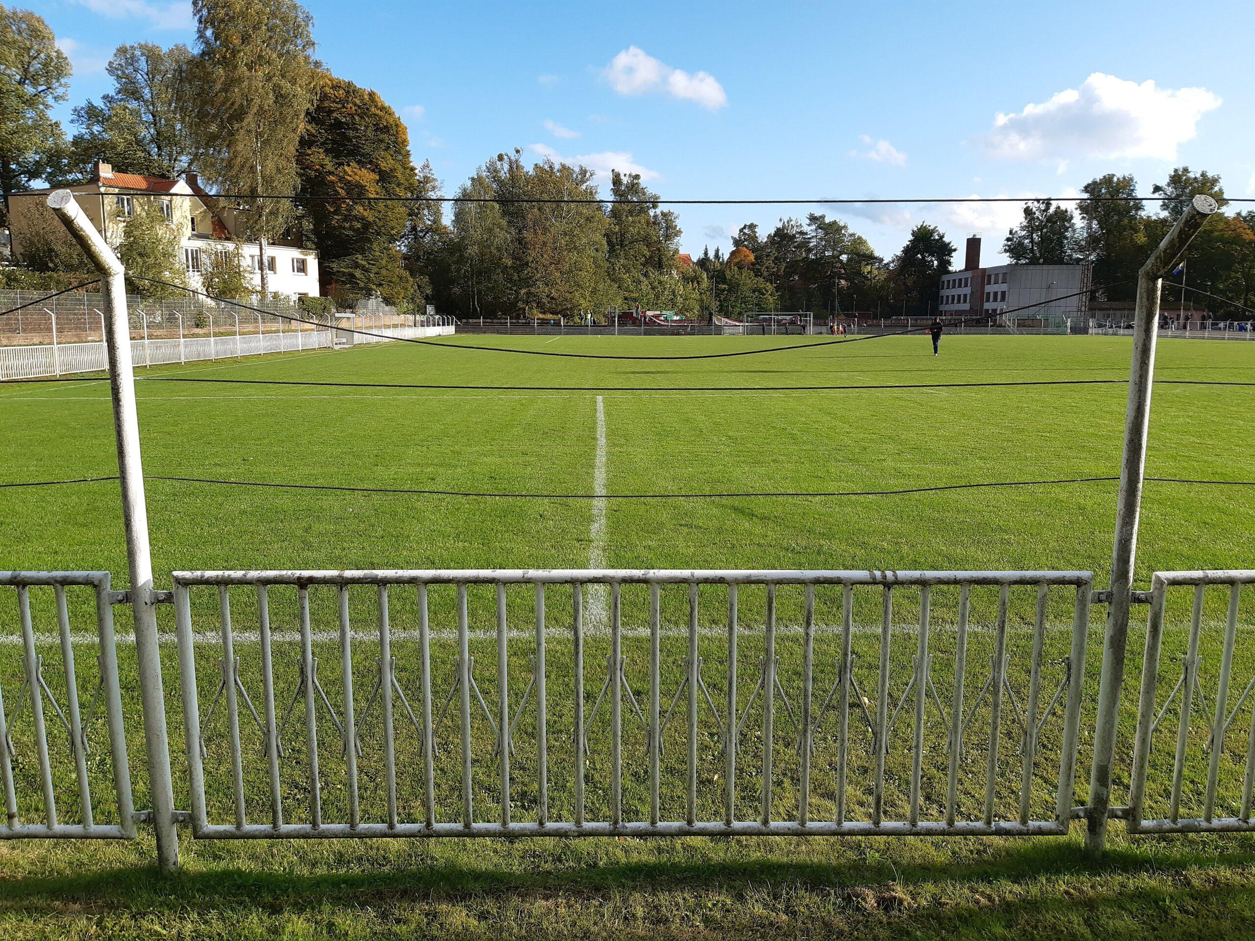 Blick von der Tribüne des Sportparks Paulshöhe
